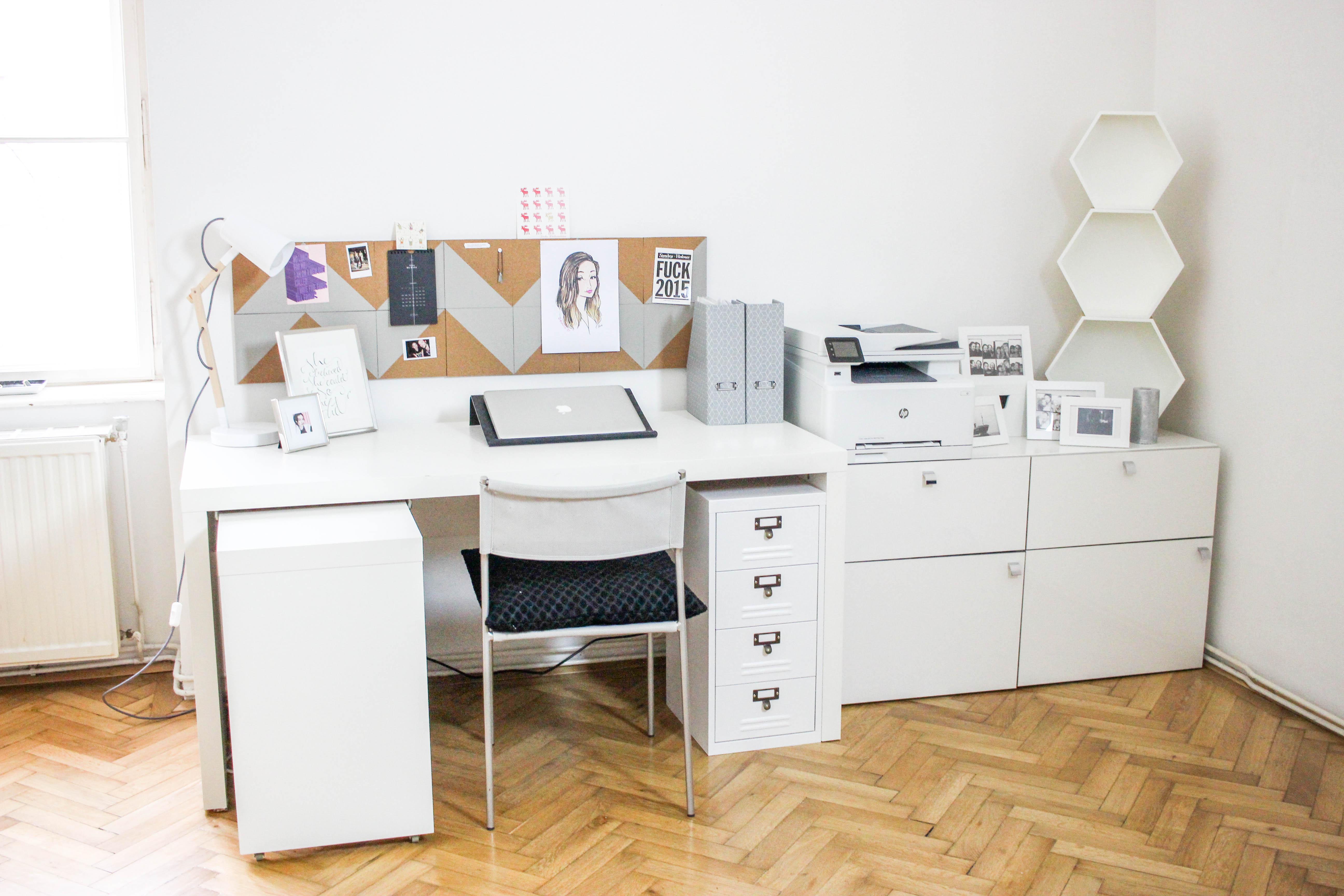 der perfekte arbeitsplatz leonie rachel. Black Bedroom Furniture Sets. Home Design Ideas